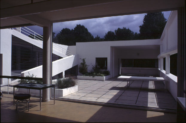 la villa savoye. Black Bedroom Furniture Sets. Home Design Ideas